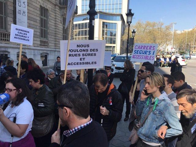 Manifestación de la plataforma 'Carrers per a tothom'