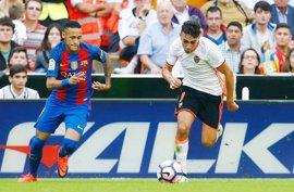 El Valencia busca una 'mascletà' en Barcelona