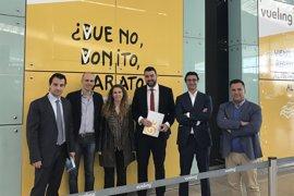 Costa Blanca cierra un acuerdo con Vueling para potenciar la llegada de turistas italianos a Alicante