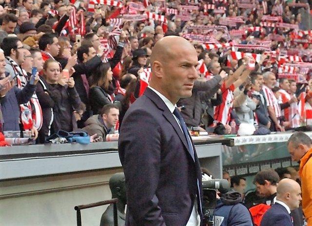 Zinédine Zidane, entrenador del Real Madrid, en San Mamés