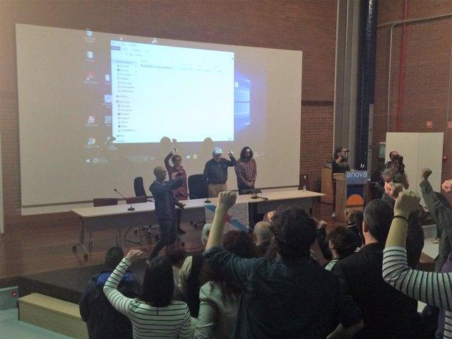 Clausura asamblea de Anova con Beiras