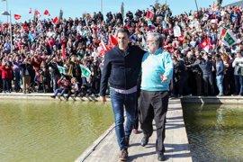 Pedro Sánchez vuelca su campaña en Andalucía para contrarrestar el poder de Susana Díaz