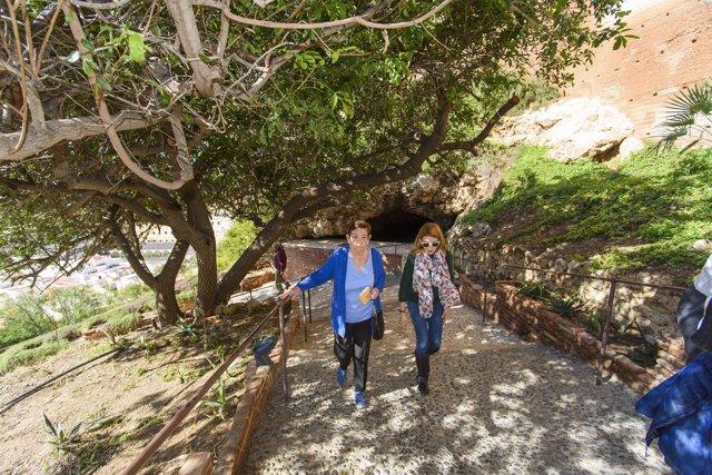 La Alcazaba de Almería ha sido visitada por la periodista Claire Hopley.