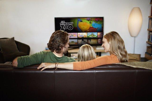 Netflix lifestyle smartphone móvil tablet tecnología película serie salón