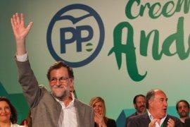 """Rajoy dice que quiere terminar la legislatura pero pide """"responsabilidad"""" para no repetir lo ocurrido con la estiba"""