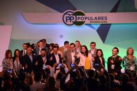 """Rajoy reclama """"unidad"""" en torno a Moreno para alcanzar la Junta: """"Puedes hacerlo"""""""