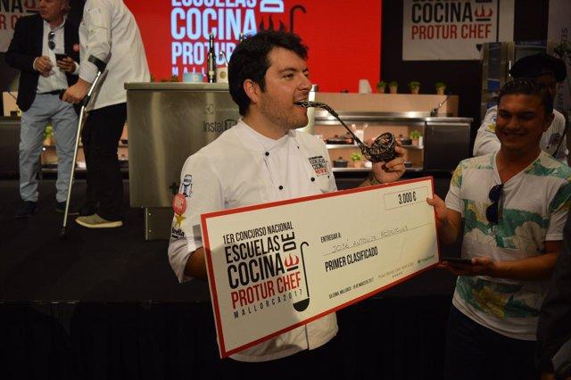 José Antonio Rodríguez, ganador del concurso de cocina ProturChef