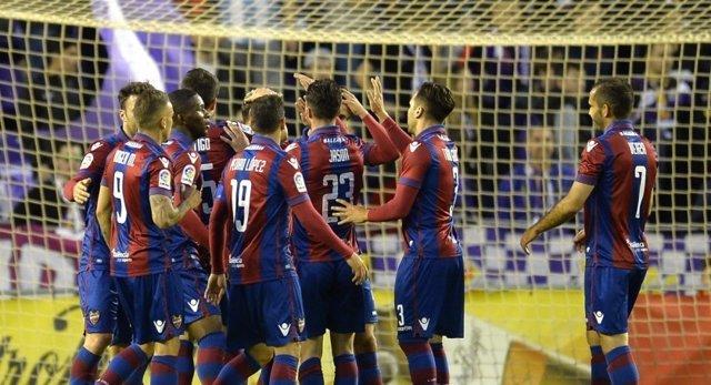 El Levante golea al Valladolid