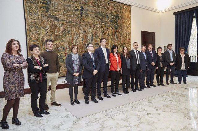 Tejeria recibe a Balluerka y su equipo en el Parlamento vasco