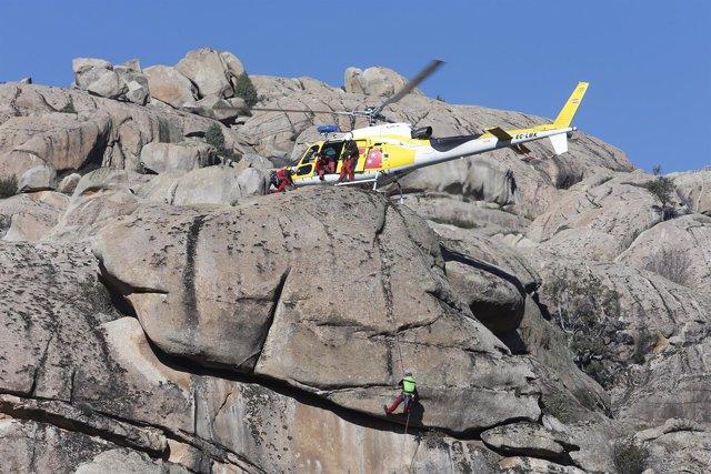 Simulacro de rescate en montaña del GERA
