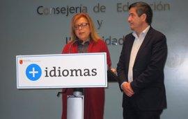 Murcia insiste en que no habrá oposiciones de maestro este año