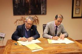 Andalucía Tech impulsa la movilidad intercampus y el uso conjunto de los servicios universitarios de la US y la UMA