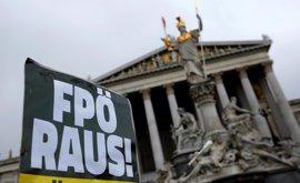 El apoyo de los austriacos a la ultraderecha empieza a caer tras las elecciones presidenciales