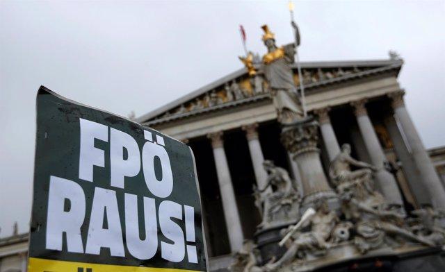 Protesta contra el ultraderechista FPO