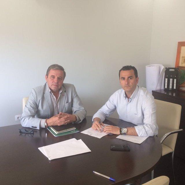 Reunión con el alcalde de Siles