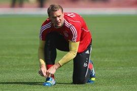 Neuer, baja con Alemania por problemas musculares