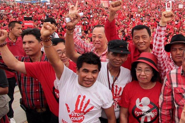 El líder del movimiento opositor de Tailandia 'camisa roja', Yosvaris Chuklom.