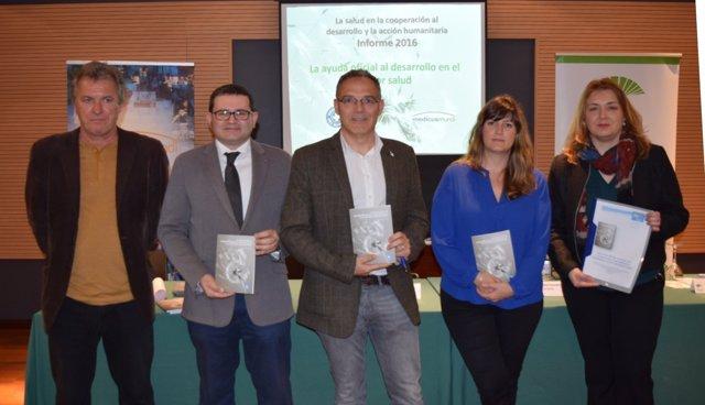 Néstor Fernández preside la presentación de un informe de Medicusmundi