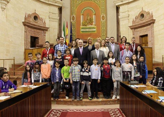 Aldeas Infantiles organiza un Pleno en el Parlamento andaluz