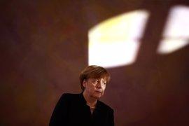 Merkel espera abordar las diferencias comerciales con Trump en el G-7 de mayo