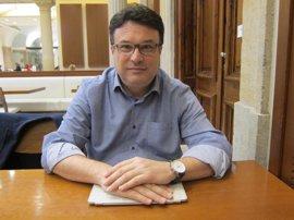 Nuet (EUiA) dice que los 'comuns' ya cumplen las condiciones de Podem y confía en un acuerdo