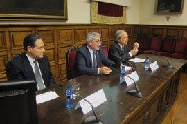 El expresidente Arístides Royo de Panamá protagoniza el segundo foro universitario Voces por Iberoamérica