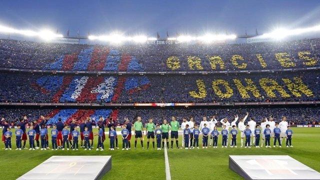 El Camp Nou homenajea a Johan Cruyff