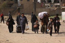 Irak eleva a más de 180.000 los desplazados a causa de la ofensiva en la parte occidental de Mosul