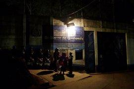 """El presidente de Guatemala agradece la """"eficiente acción"""" de la Policía en el motín del correccional"""