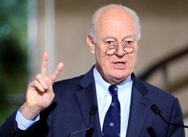 De Mistura insta a las partes en Siria a discutir cuestiones políticas en la próxima ronda en Ginebra