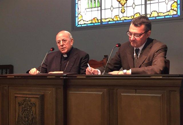 El presidente de la CEE, Ricardo Blázquez, junto a Jorge Guerra