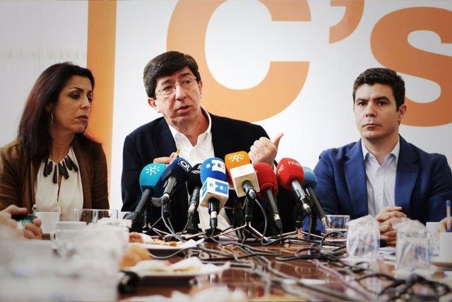 Juan Marín, hoy junto a Sergio Romero y Marta Bosquet