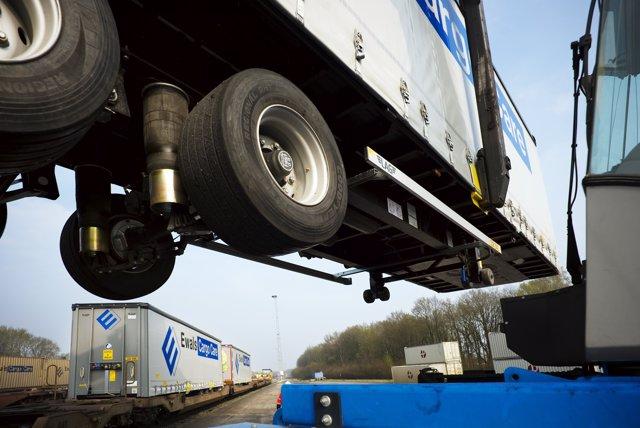 Acuerdo entre Goodyear y Ewals Cargo