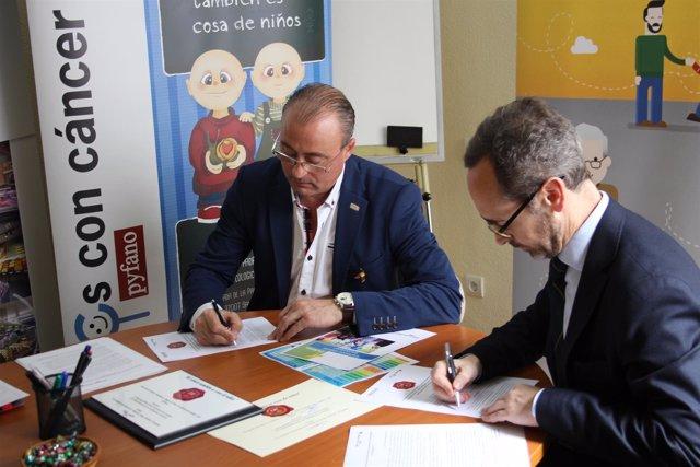 Firma del convenio entre Fundación Alimerka y Pyfano.