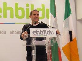 """Otegi (EH Bildu) ensalza a McGuinnes como """"figura principal"""" en la consecución de la paz en Irlanda del Norte"""