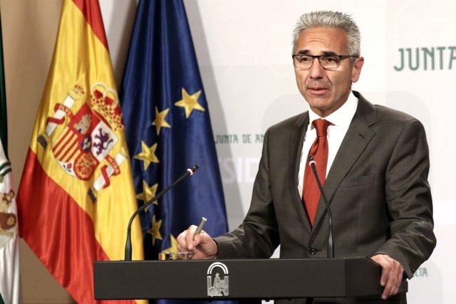 Miguel Ángel Vázquez, en rueda de prensa este martes tras el Consejo de Gobierno