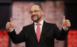 Schulz adelanta a Merkel en los sondeos sobre las elecciones alemanas