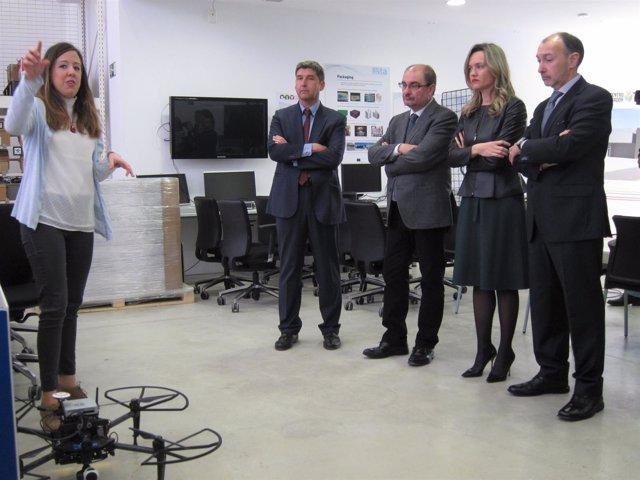 Lambán, Alegría y Fernández en el área de robótica de ITAINNOVA