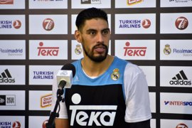"""Ayón: """"No podemos mirar la posición del Barça porque en Euroliga cualquiera te puede ganar"""""""