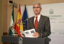 Junta destaca que más de la mitad de los compromisos de investidura de Susana Díaz ya está en marcha
