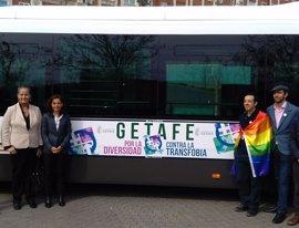 Getafe presenta una campaña contra la transfobia en los autobuses urbanos en contraposición a los de Hazte Oír