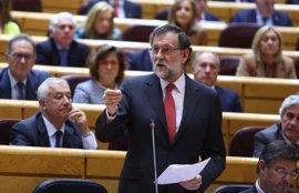 """Rajoy evita polemizar con el PNV sobre las consultas municipales y exclama: """"Hoy me toca hacer amigos"""""""