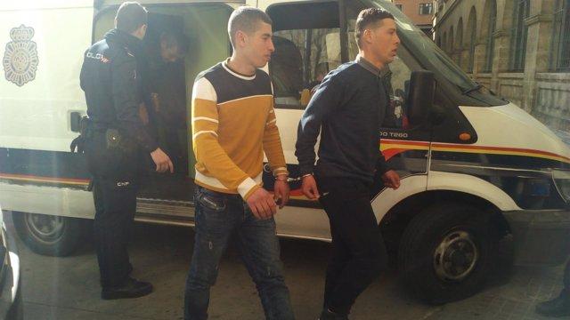 Los dos detenidos llegados a Mallorca en patera entran en los juzgados