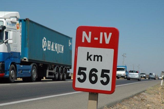La carretera N-IV.