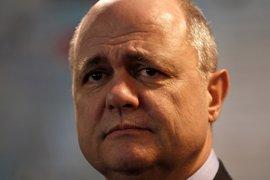 Dimite el ministro del Interior francés tras ser investigado por contratar a sus hijas