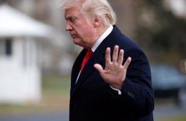 Trump advierte a sus congresistas que si no votan a favor de su reforma del 'Obamacare' perderán sus escaños