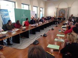 Junta y Cajasol ofrecen formación y financiación a emprendedores de Granada con el programa '100 caminos al éxito'
