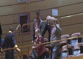 Dos víctimas del accidente de Angrois reclaman en el Senado responsabilidades al ministro de Fomento