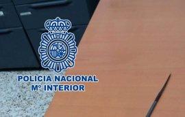Detenido en El Ejido por clavar un punzón a un policía tras intentar atracar un local