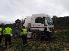 Muere un camionero en una salida de vía en la AP-15, cerca de Garínoain